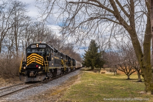 Rolling along south of Martinsburg is the Winchester and Western returning back to Corning Yard located a few miles North of Inwood, WV.