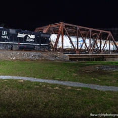 Local H58 rolls across the thru truss Reading Bridge off Leidigh Drive on it's way to interchange with the Gettysburg & Northern at Mount Holly Springs. Many thanks to Sean Hoyden for the use of his lighting equipment.