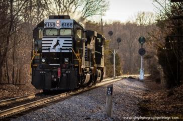 H72.0 V86 returning to Shenandoah Yard
