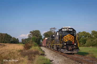 Heading south from Hagerstown after interchangin with NS, Winchester and Western 86 passes thru communities and farmland rolling towards the Potomac River on the old Cumberland Valley Railroad.